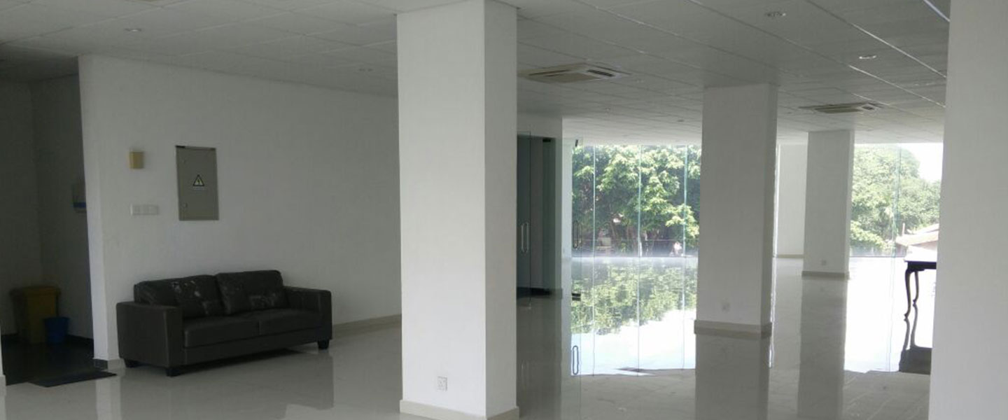 Office space available at colombo 08. colt trading office premises